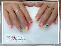 Bunte French Manicure in Neonfarben Nageldesign
