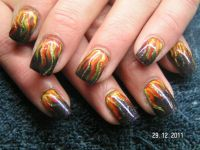 Buntes Flammenmeer Nageldesign