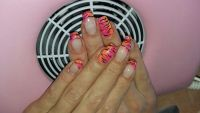 buntes tigermuster Nageldesign