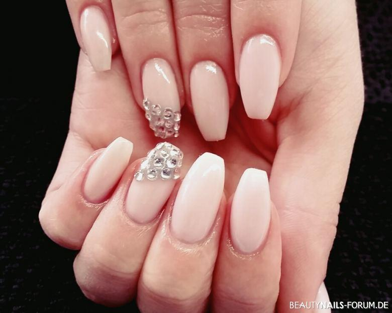 Casual Simply Nails Silver Pastell Nageldesign