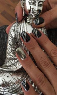 Chrome Nägel in schwarz / weiss Nageldesign
