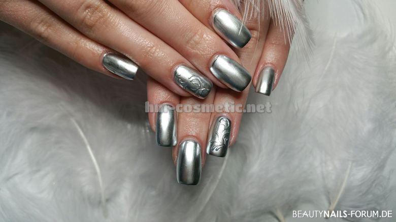 Chrome Nails Acrylmodellage und Fullcover Nageldesign