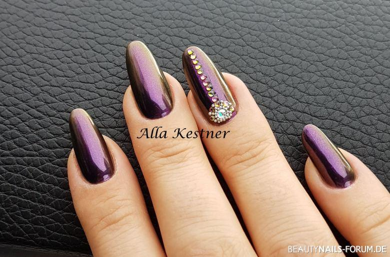 coole nailart cham leon chrome effekt mit steinen nageldesign. Black Bedroom Furniture Sets. Home Design Ideas