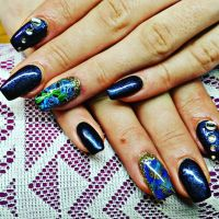 Dunkelblaues Fullcover mit Slider Nageldesign