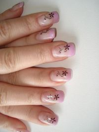 flieder+stamping Nageldesign