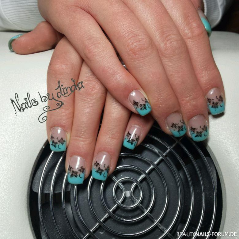 French blau Nageldesign