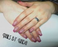 French Glamour raspberry Nageldesign