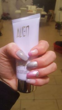 French Nägel und Full Cover in fuchsia und Pastell ston Nageldesign