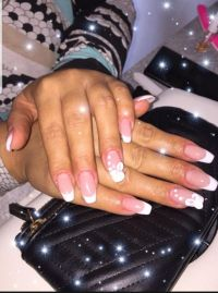 French Nails - Makeup Cover Pulver und Blume Nageldesign