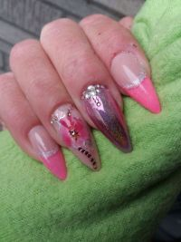 French Unicorn Pink mit Strass Nageldesign