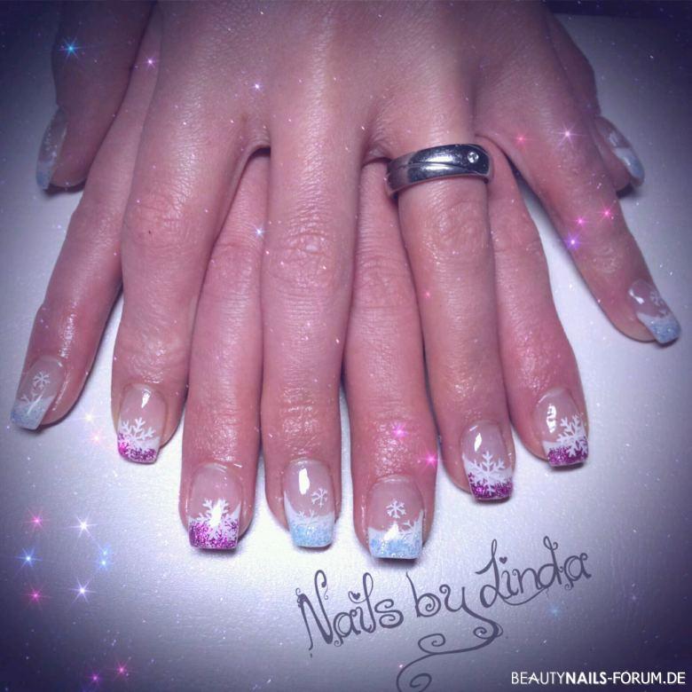 French weiß mit pink und blau Glitzer Nageldesign