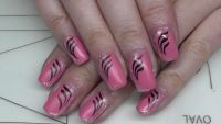 Fullcover Matt Nageldesign mit Linien Nageldesign