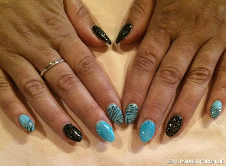50+ Blaue Nägel Bilder mit Nailart - 2021