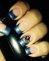 Gelmodellage blau Glitter Nageldesign