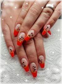 Gelmodellage French Neon rot und Micky Maus Sticker Nageldesign