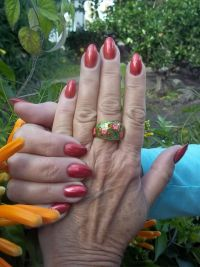 Gelmodellage Fullcover in Rot Nageldesign