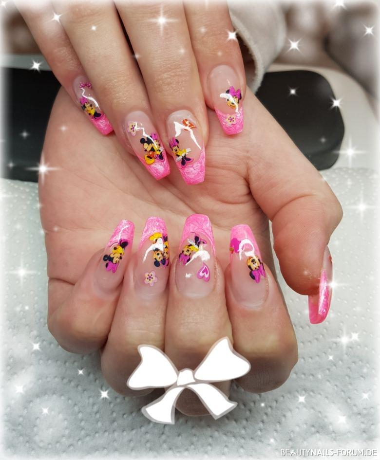 Gelmodellage im Minnie Mouse Design Nageldesign pink - Gelmodellage mit pinken French und Minnie Mouse Sticker Nailart