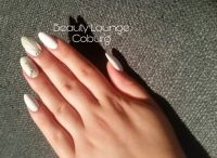 Gelmodellage mit 3D Nailart und Strass Nageldesign