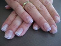 Glitzer French mit Stamping Nageldesign