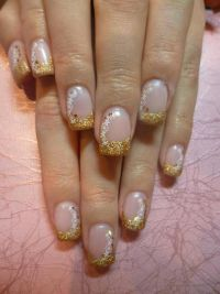 Glitzerfrench mit Stempel Nageldesign