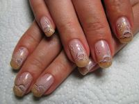 Gold mit Stamping Nageldesign