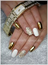Gold-Weiß Nageldesign