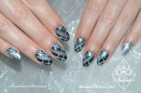 Grafisches Design mit Eyecatcher Nageldesign