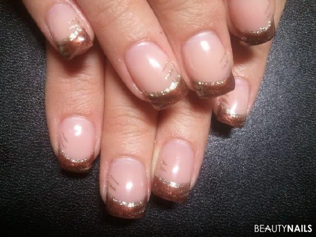 Herbstnägelchen mit French Manicure