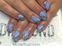 Ice Blau Nageldesign