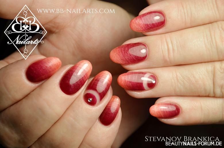 Interessanter Farbverlauf Rot Orange - Nageldesign
