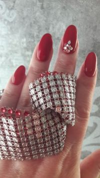 Klassisch rotes Nageldesign, elegant Nageldesign