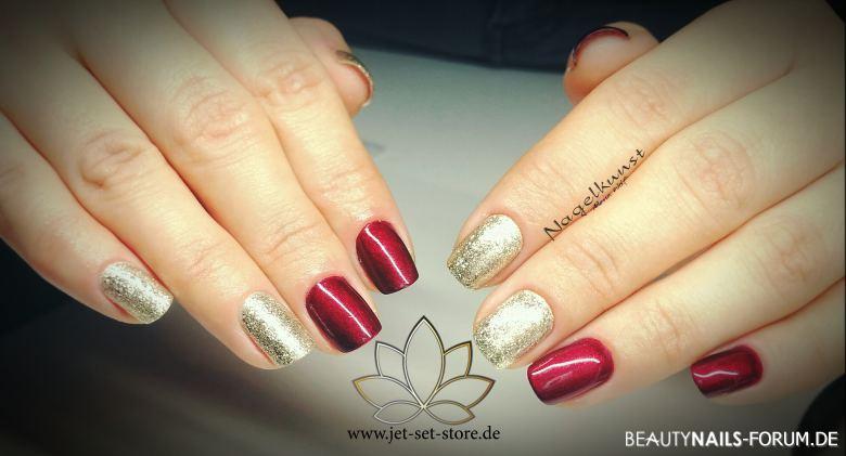 Klassischer Evergreen - Rot und Gold Nageldesign