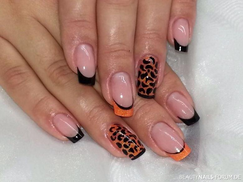 Leo Nails Muster Gelmodellage Nageldesign