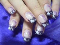 Lila French mit Stamping Nageldesign
