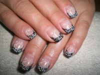 Metallic black Nageldesign