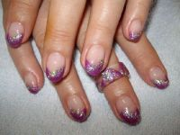 Metallic-Lila+Pailetten Nageldesign