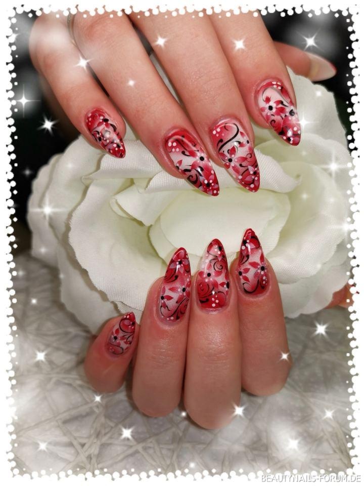 Nailart Airbrush Design in rot und schwarz Nageldesign rot -  Nailart