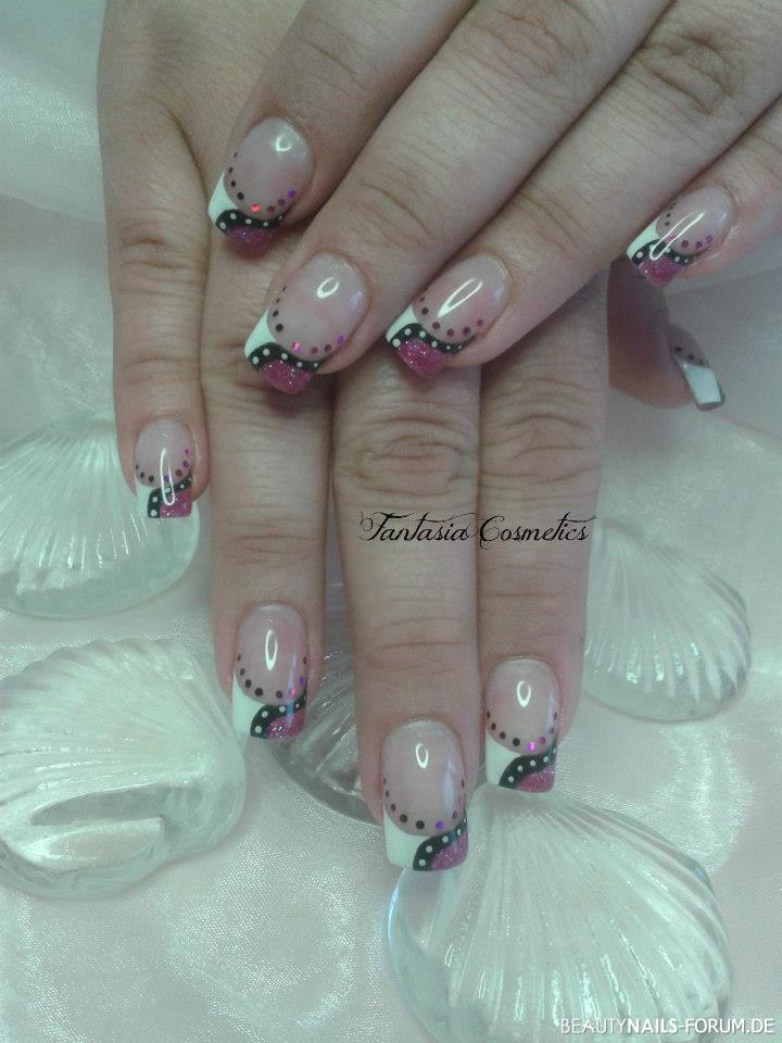 nailart muster punkte weiss pink schwarz nageldesign. Black Bedroom Furniture Sets. Home Design Ideas