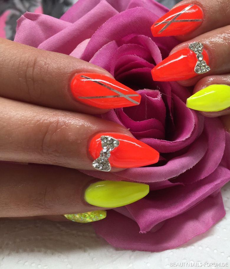 Neon gelb und orange - Ballerina Nägel Nageldesign