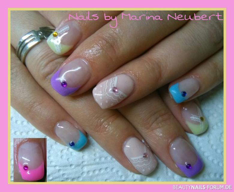 Neon Pastell Farbenmix Nageldesign