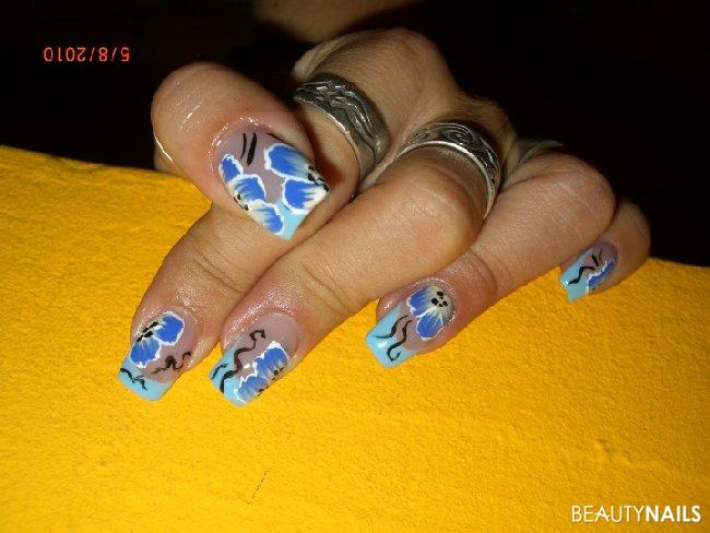 one stroke blümchen Nageldesign