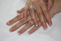 Perlmut French Nageldesign