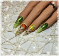 Peter Pan Design mit Glitzer Nageldesign