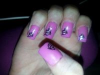 pink fullcoverot mit schmetterling sticker Nageldesign