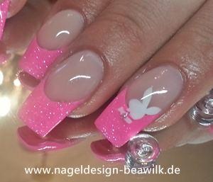 pink mit playboy bunny