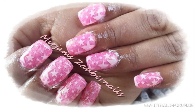 Pink mit Sternenairbrush Nageldesign