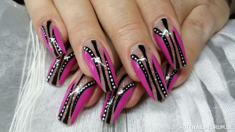 Ornament Nails Design