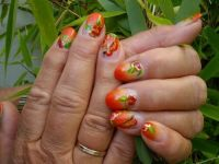Pinselmalerei in rot Nageldesign