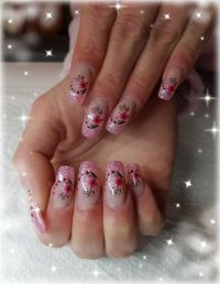 Rosa Glitzer mit Sticker Nageldesign
