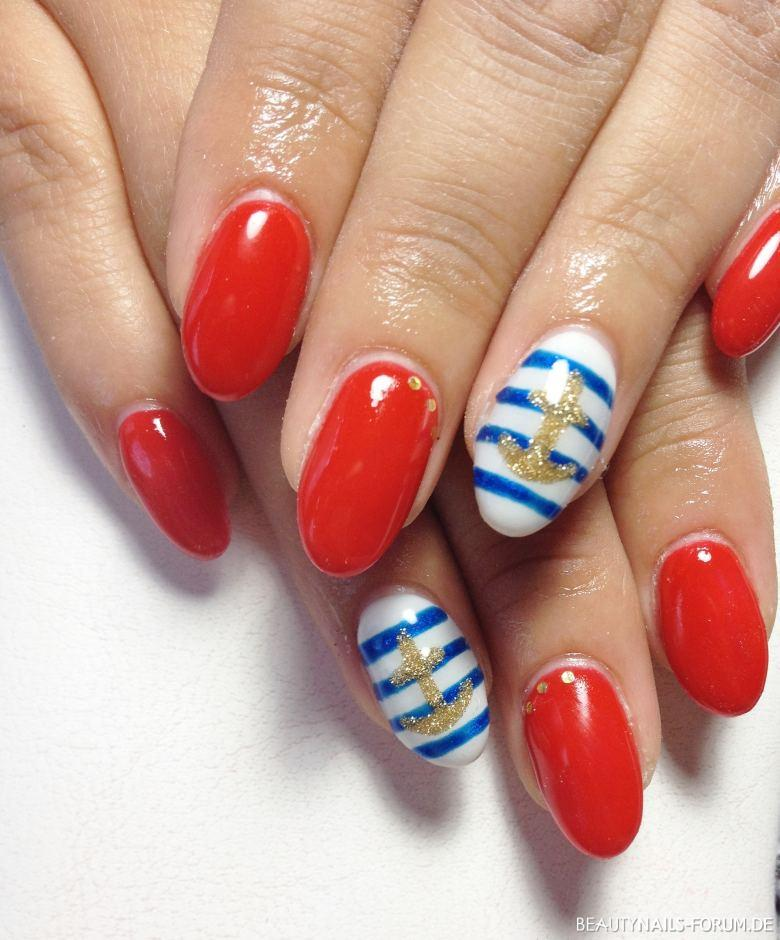 Rote Nägel mit Marine Look / Anker Nageldesign